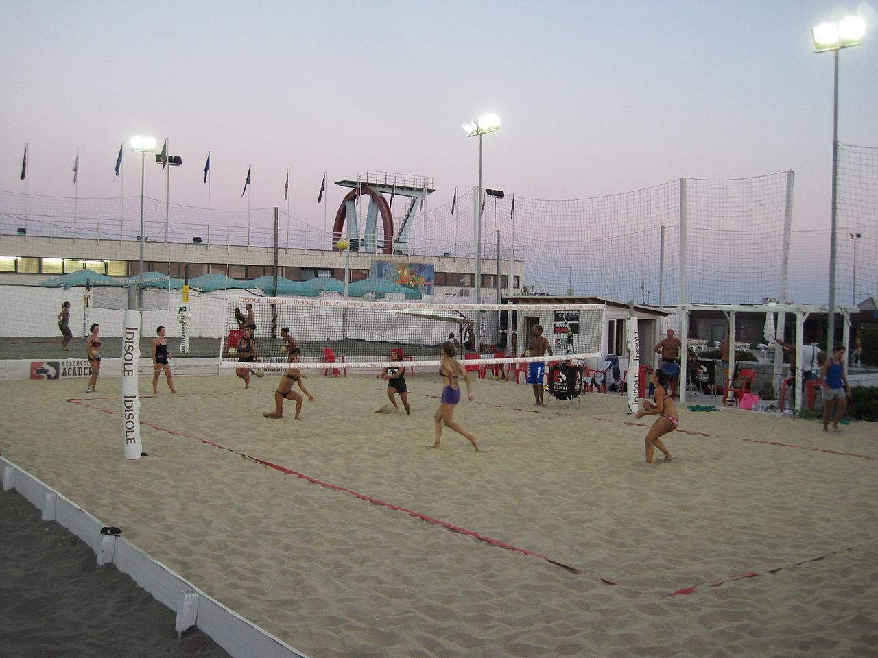 Пляж Остии, волейбол
