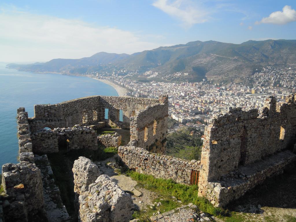Руины крепости Аланьи