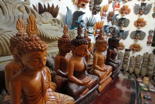 Деревянные статуэтки, Шри-Ланка