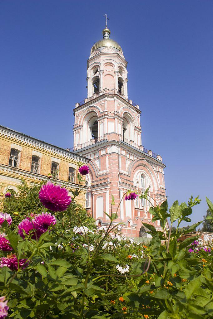Казанский монастырь, колокольня с надвратной церковью Ефрема Сирина