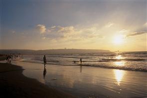 Закат на пляже в Хайфе