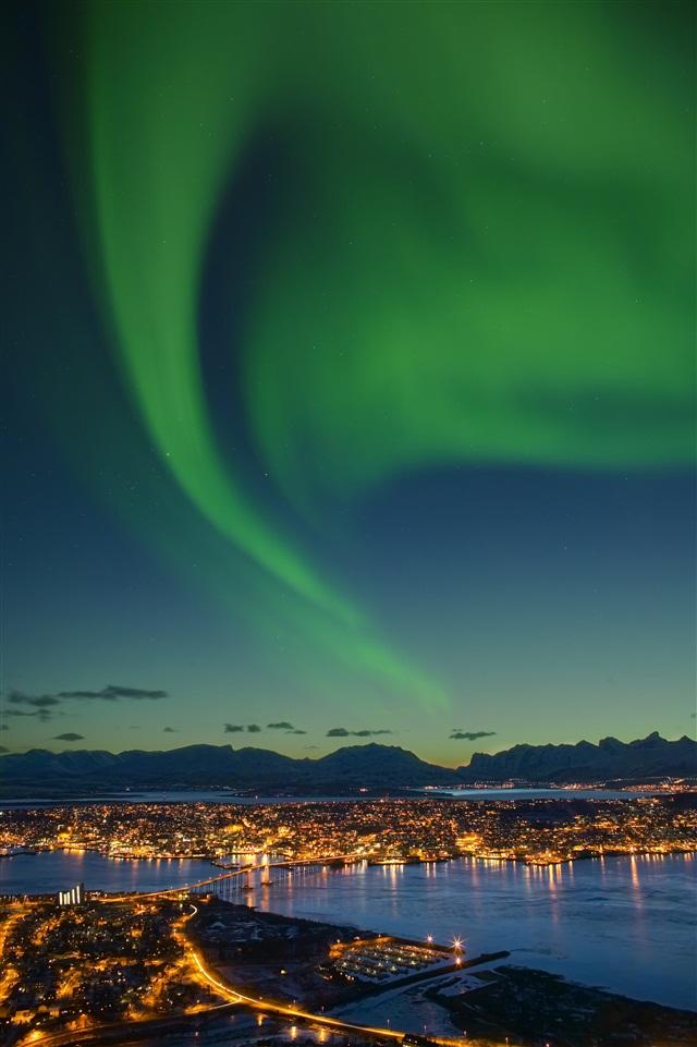 Северное сияние в Тромсе, Северная Норвегия.jpg