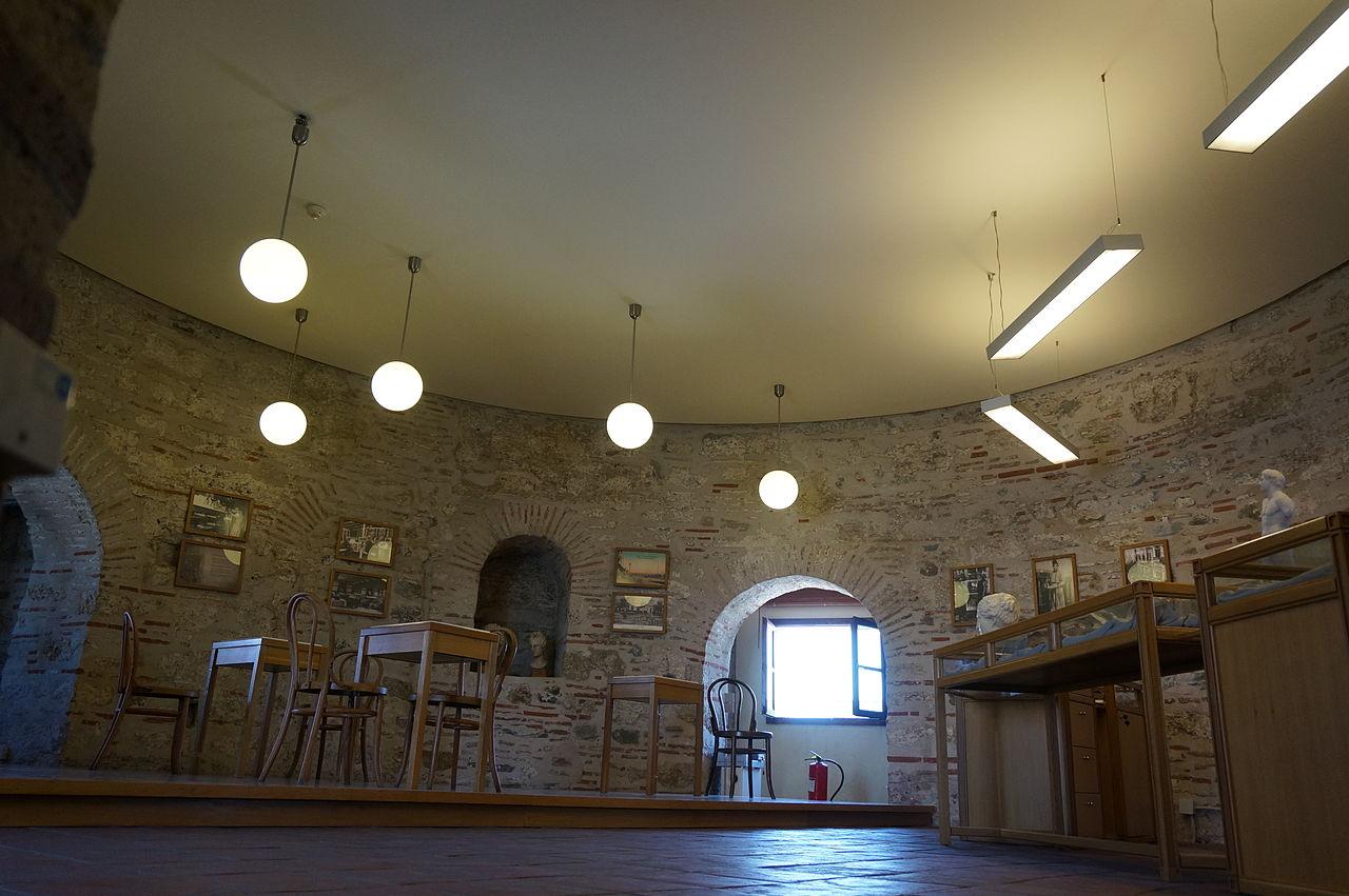 Белая башня в Салониках, интерьер музея