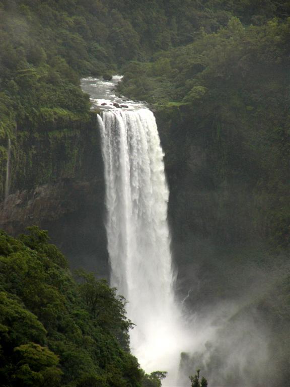 Водопад Дудхсагар, Индия