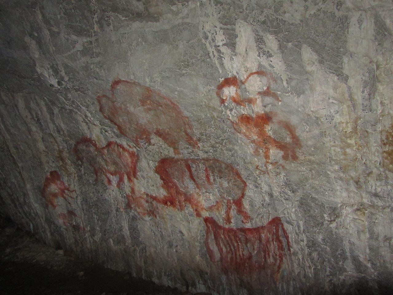 Рисунки на стене в Каповой пещере (копии)