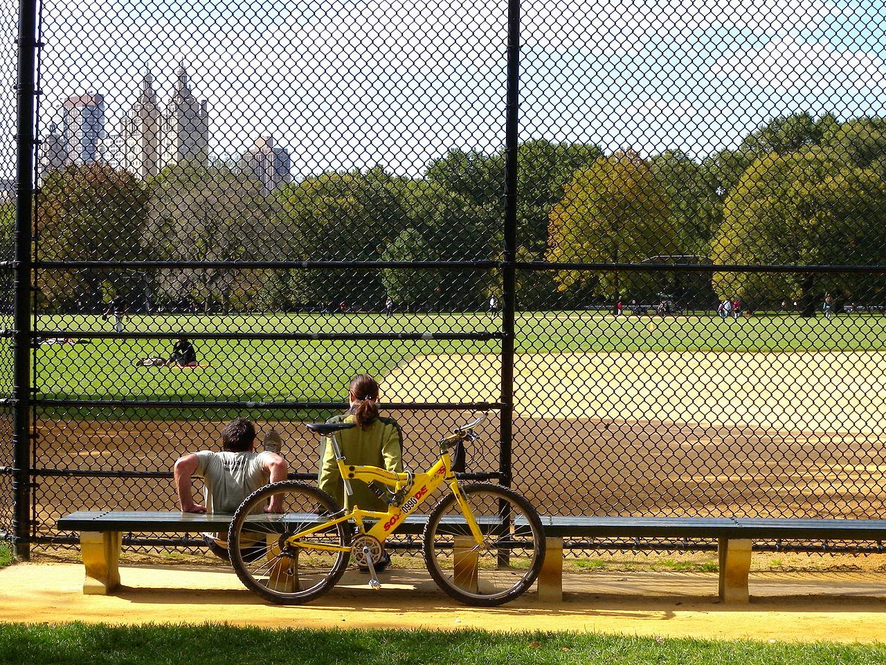 Центральный парк Нью-Йорка, бейсбольное поле