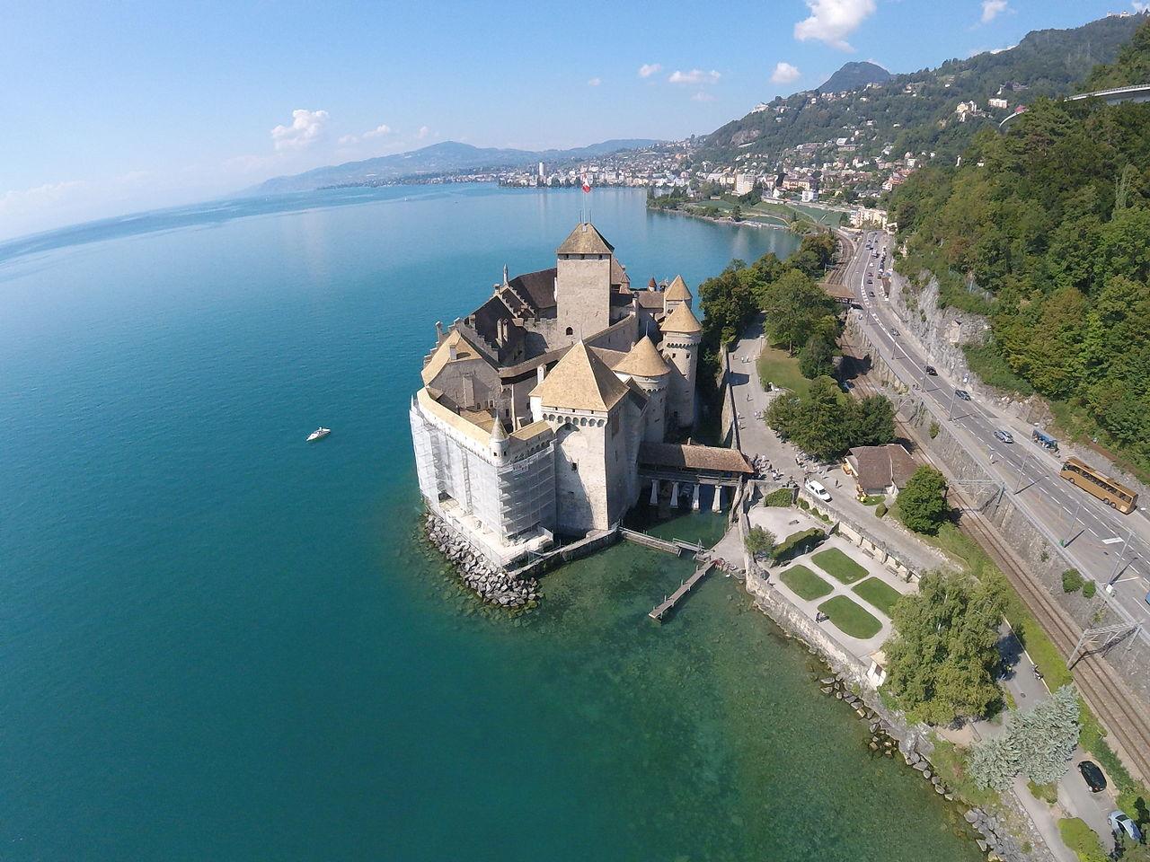 Шильонский замок, вид с воздуха