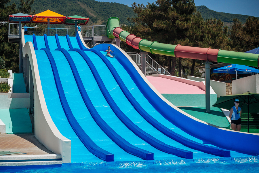 Водные горки аквапарка «Бегемот»