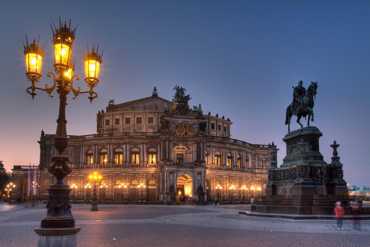 Дрезденская государственная опера, ранние сумерки