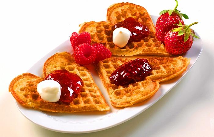 25 марта — День вафель в Швеции.jpg