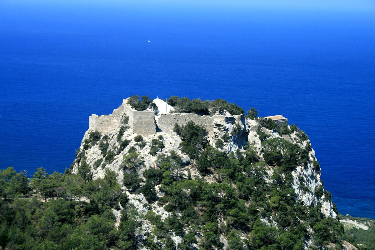 Замок Монолитос