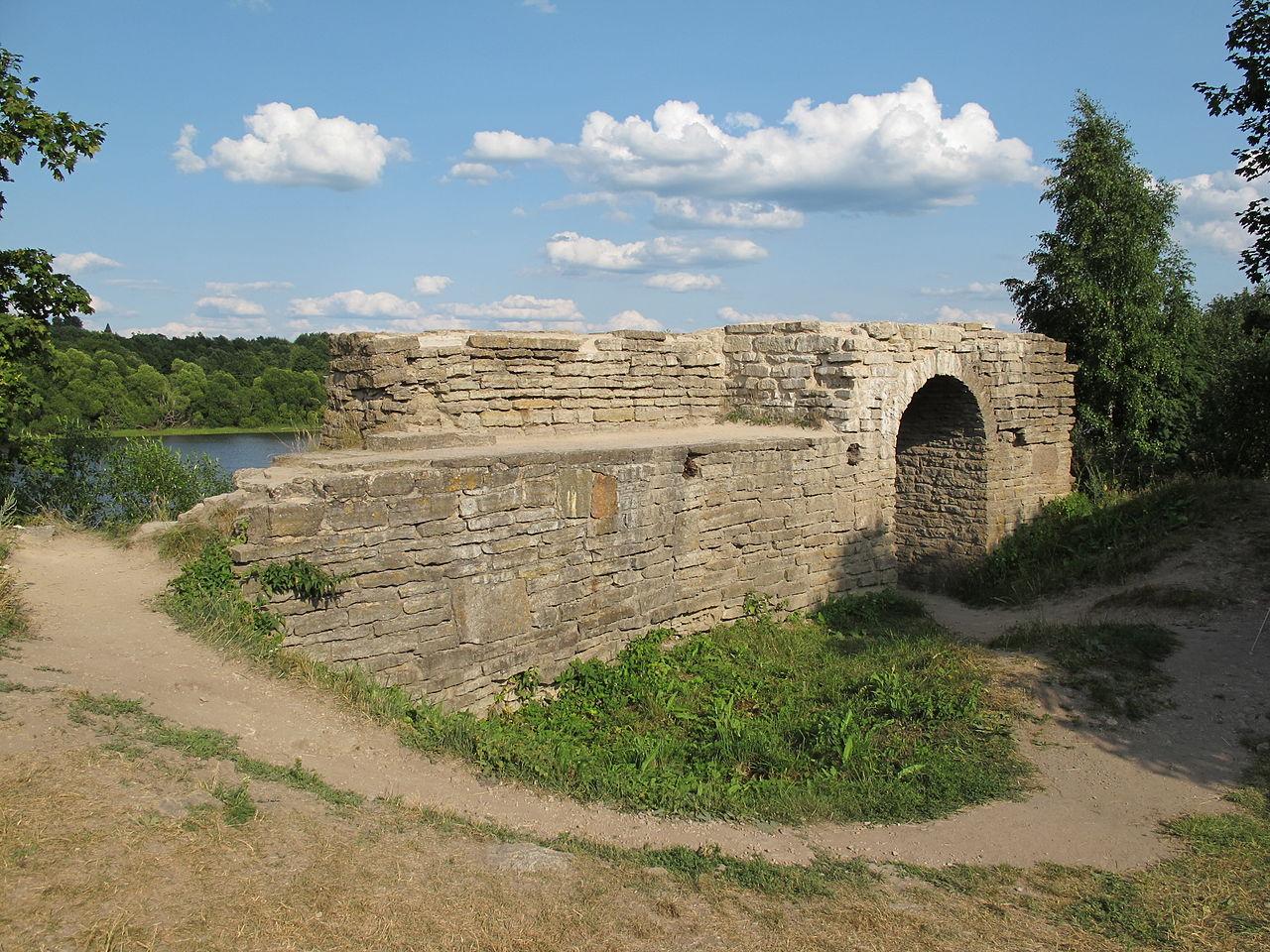 Крепость Старая Ладога, остатки Тайничной башни
