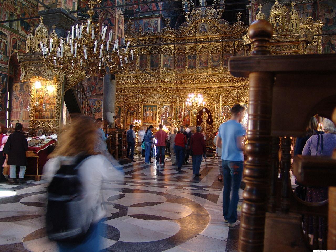 Рильский монастырь, внутри главной церкви