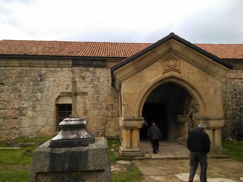 Вход в монастырь, Гелатский монастырь, Гелати