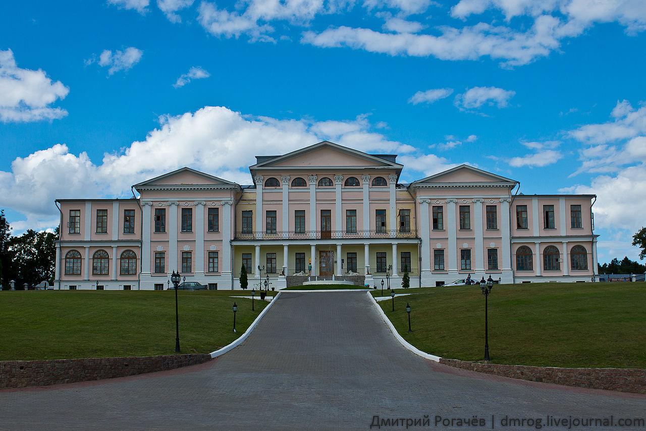Дворец усадьбы Дубровицы