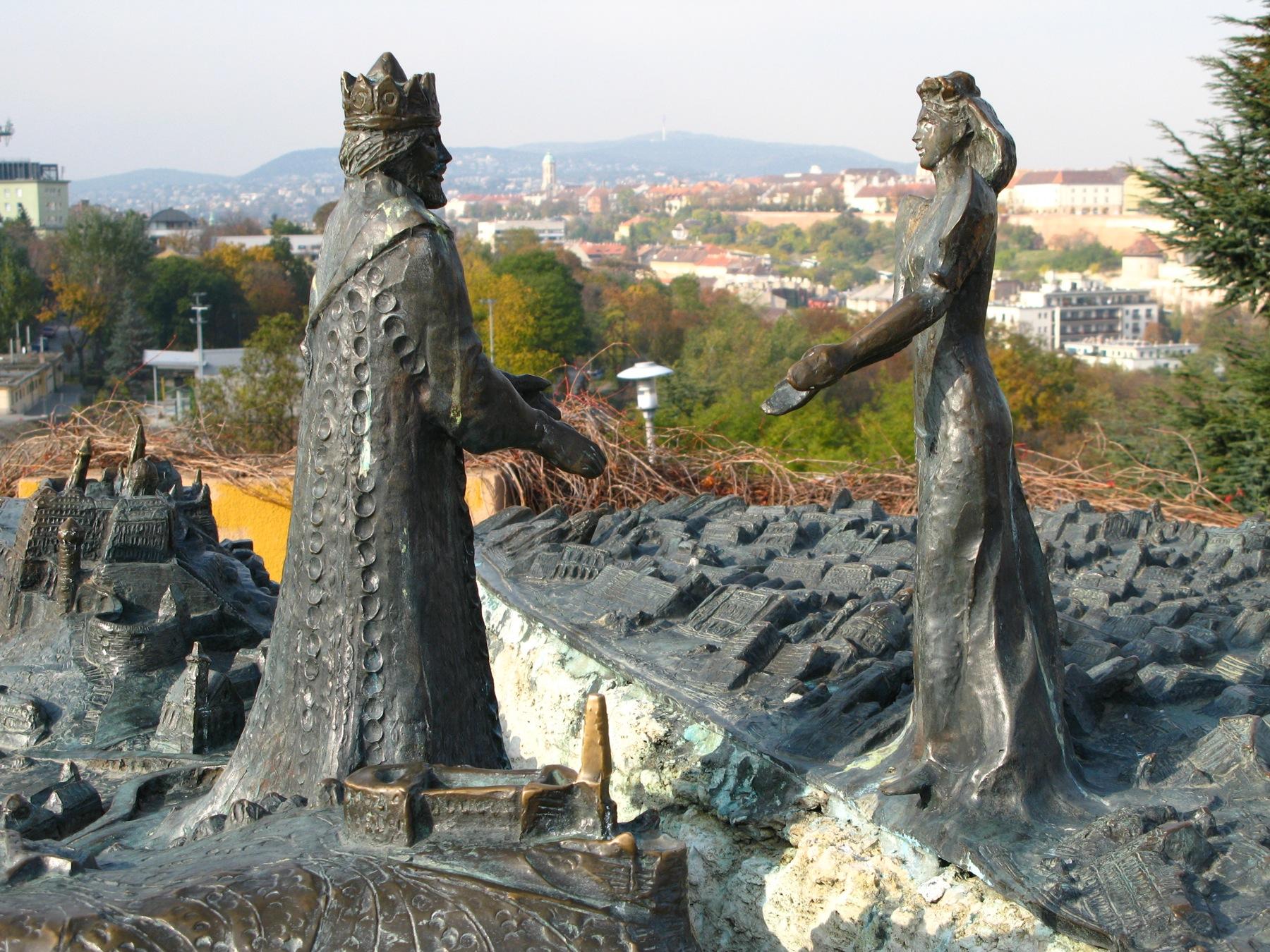 Скульптурная композиция на горе Геллерт