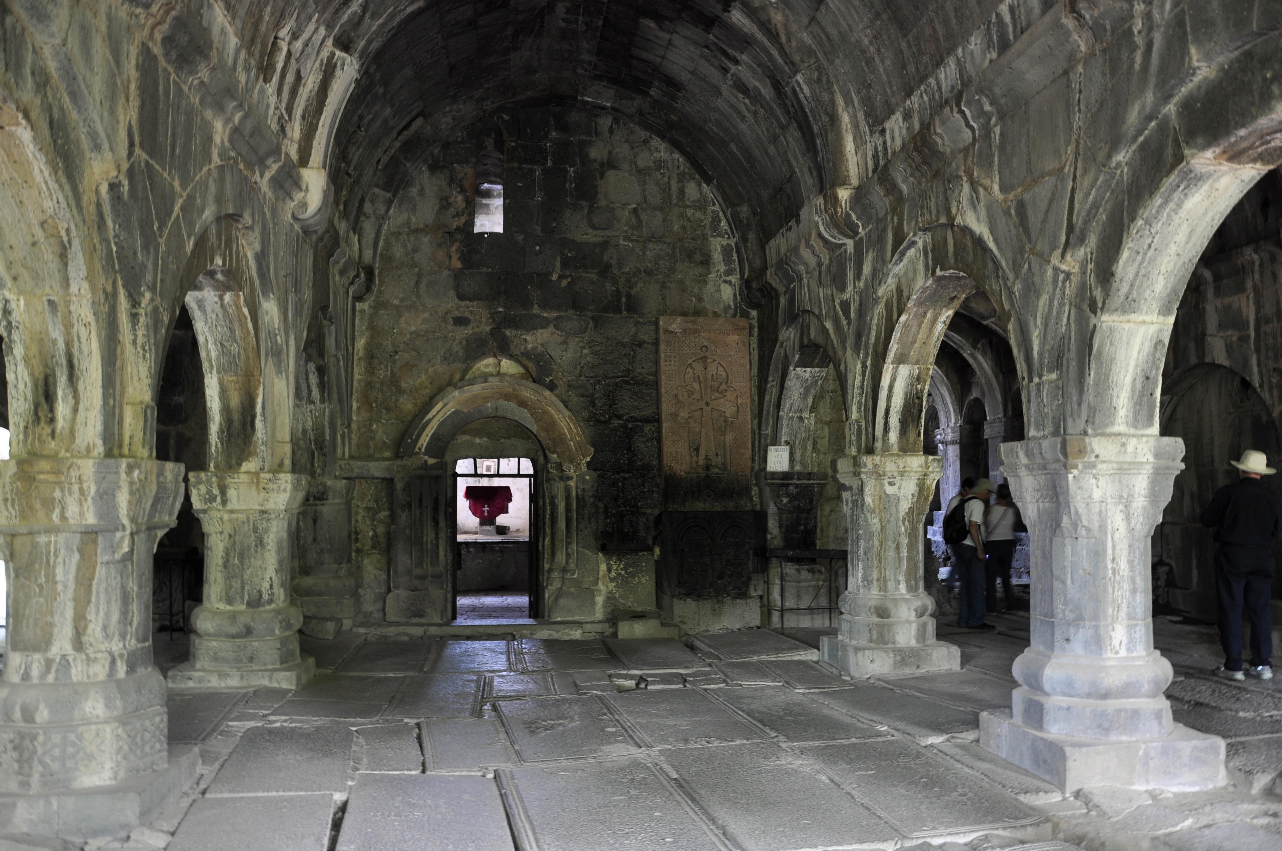 Монастырь Санаин, интерьер