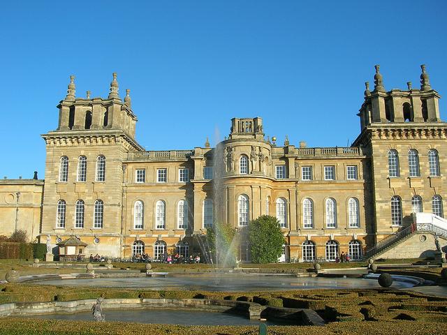 Бленхеймский дворец в Оксфорде.jpg