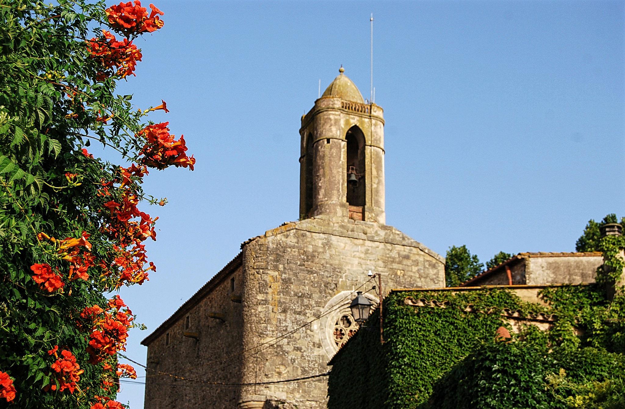 Замок Пуболь в каталонской провинции Жирона