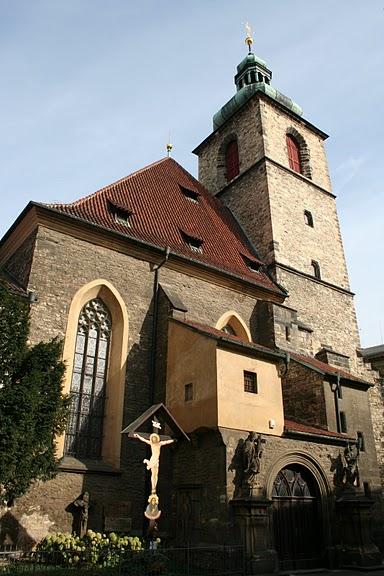 Костел на улице Йидрижинской, Прага.jpg