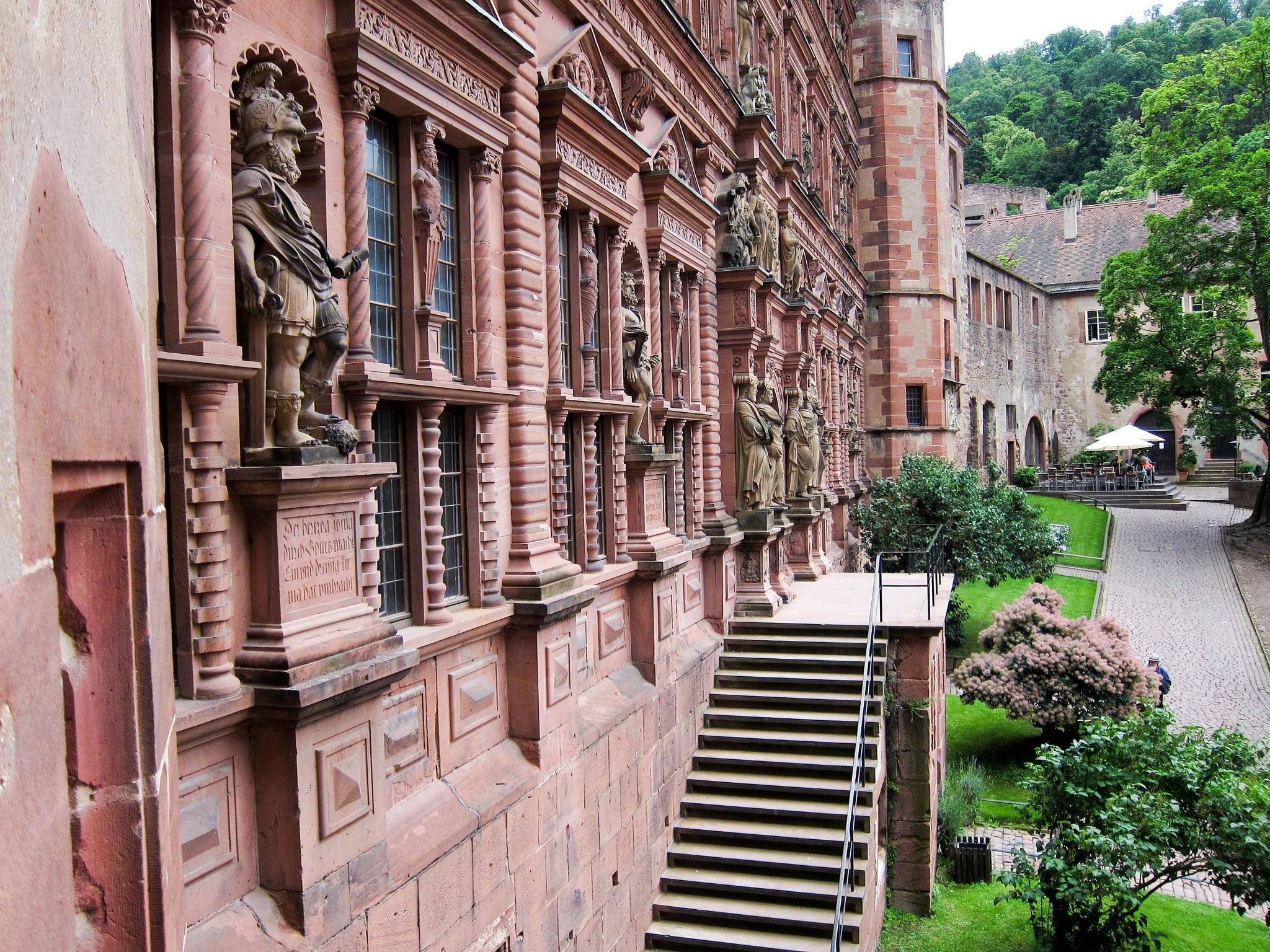 Рыцари, защищающие замок, Гейдельбергский замок