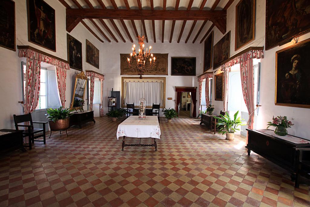 Усадьба Ла-Гранха, тронный зал