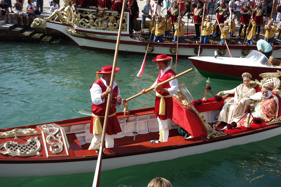 Участники Исторической регаты в Венеции