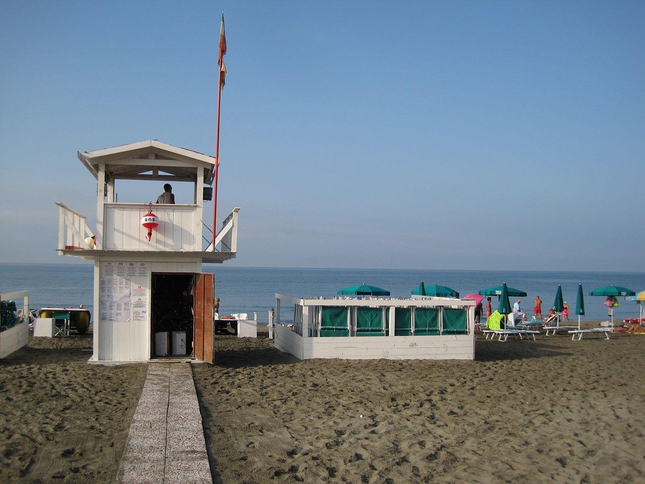Пляж Остии, спасательная вышка