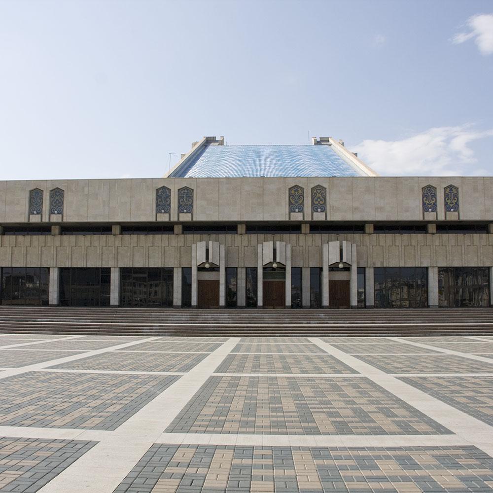 Театр им. Г. Камала в Казани, вход