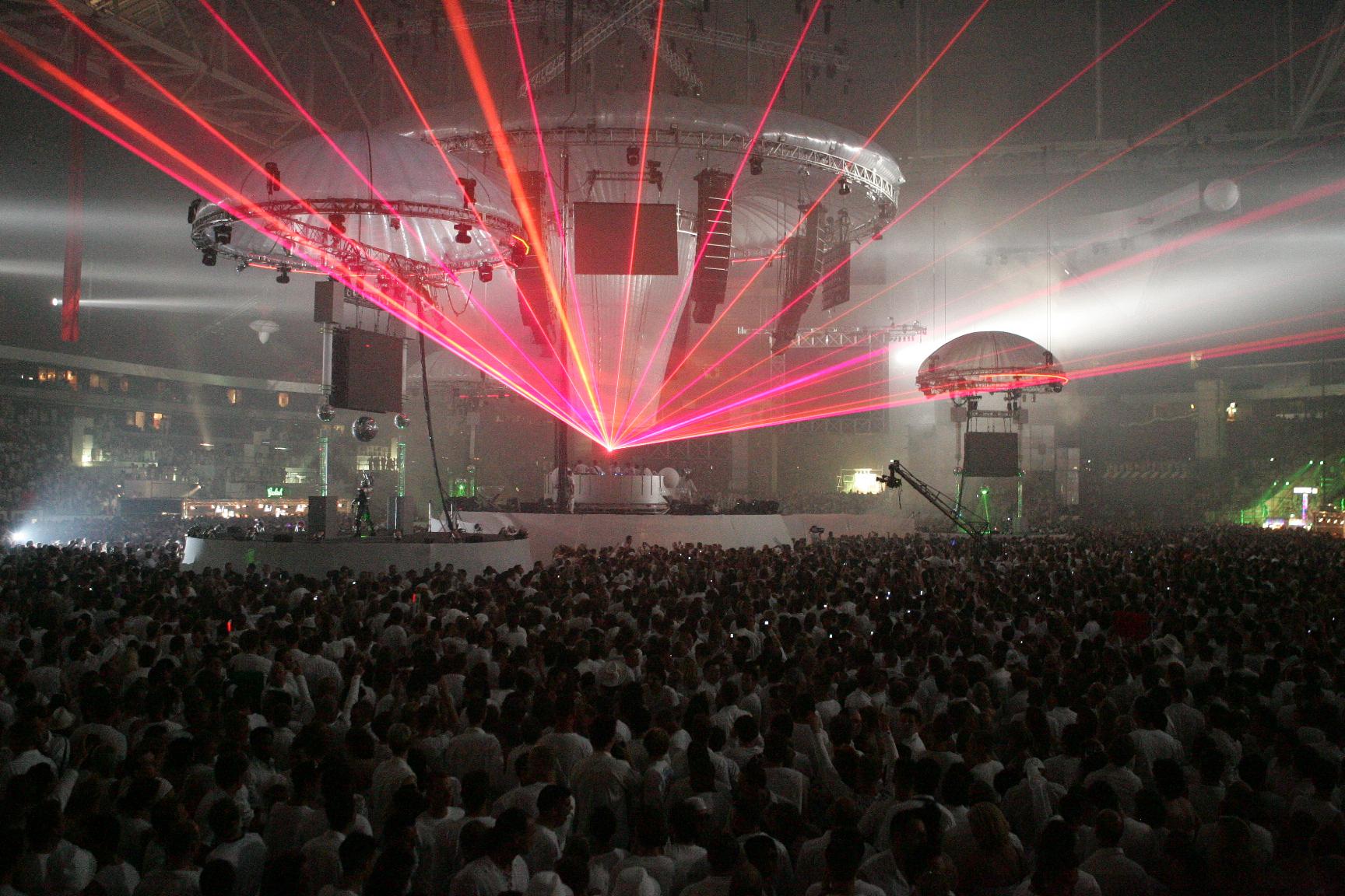 Лазерное шоу Sensation