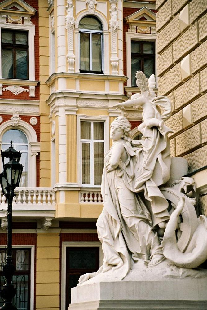 Скульптуры в Одессе.jpg