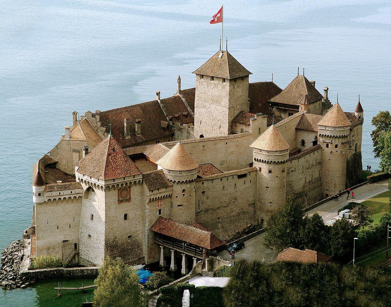 Шильонский замок, вид с моста