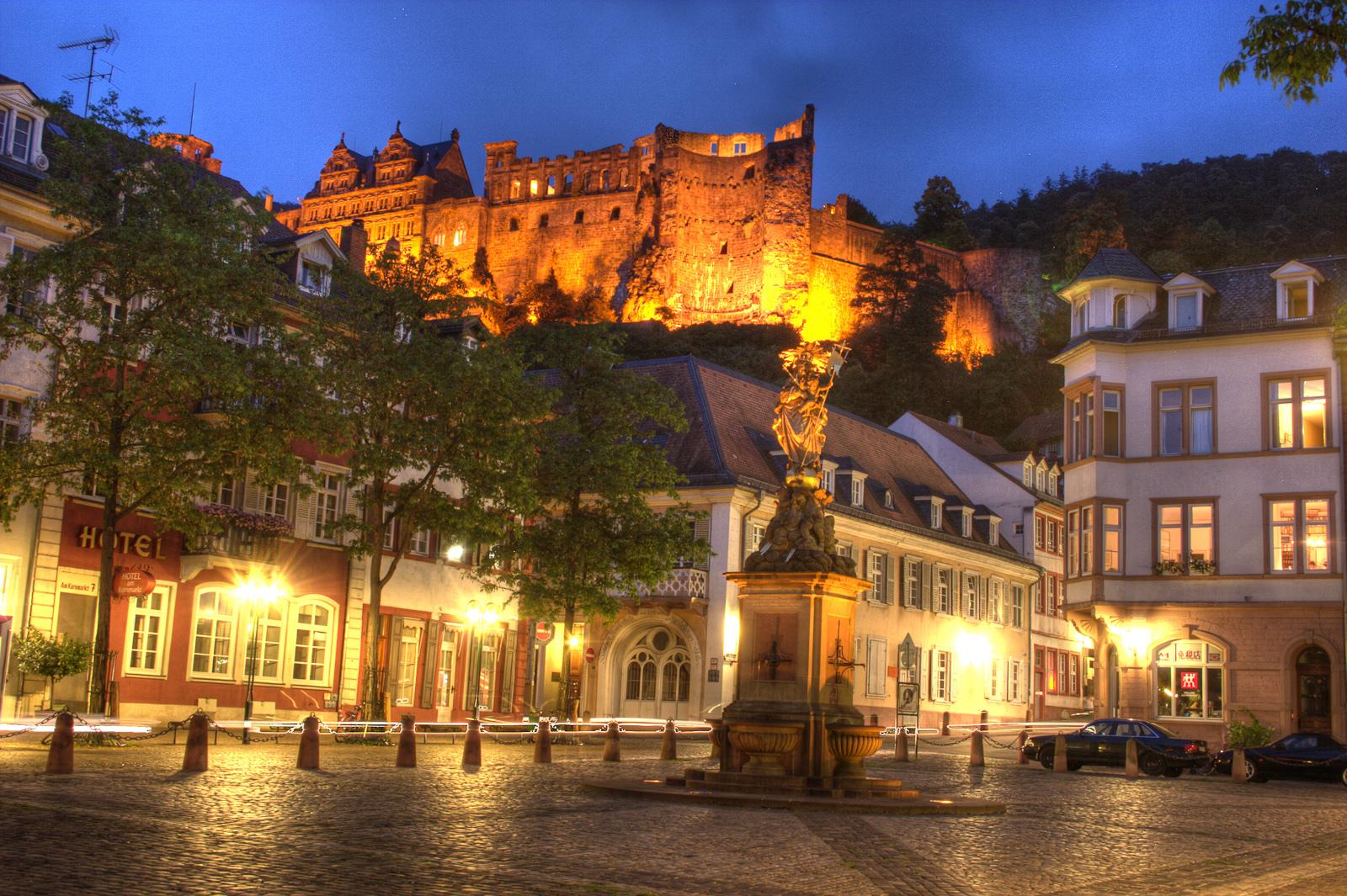 Гейдельбергский замок вечером