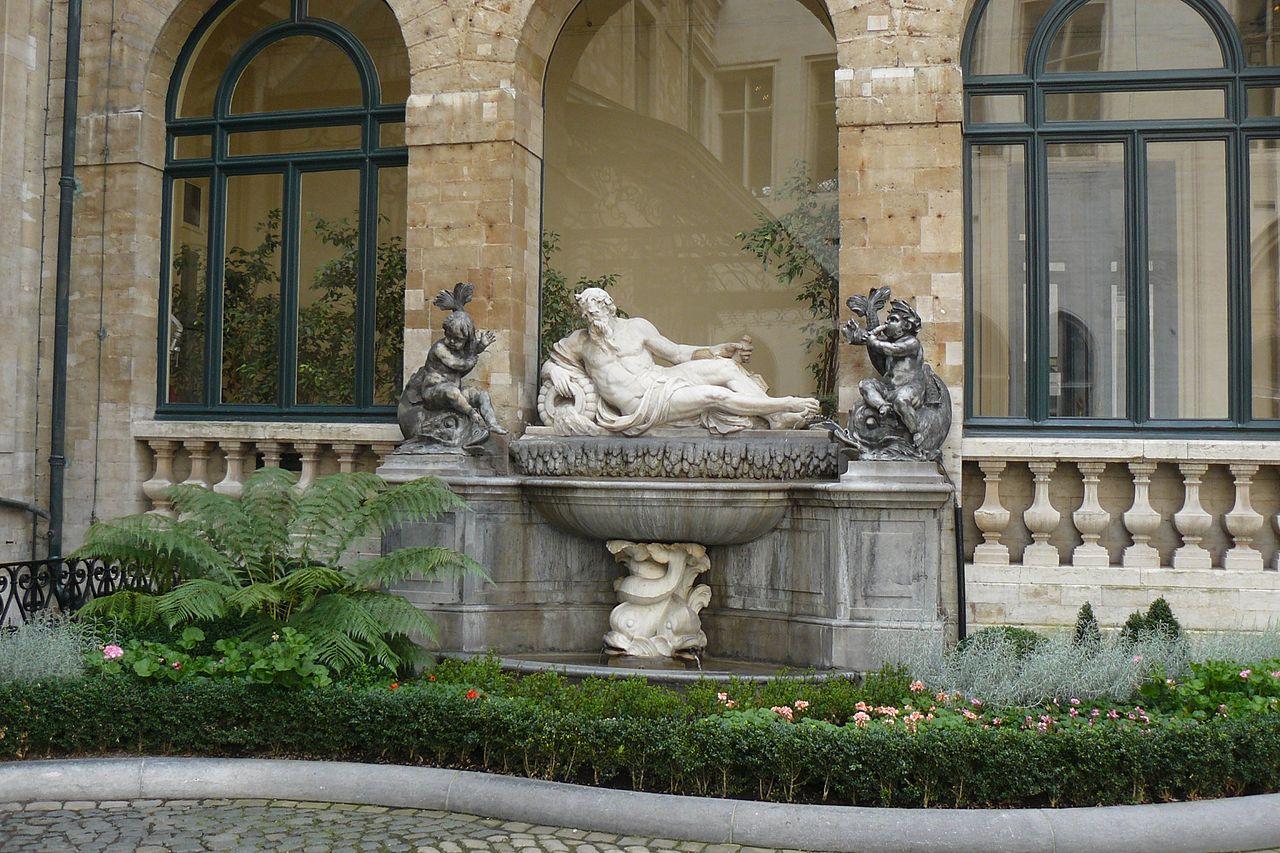 Ратуша в Брюсселе, двор