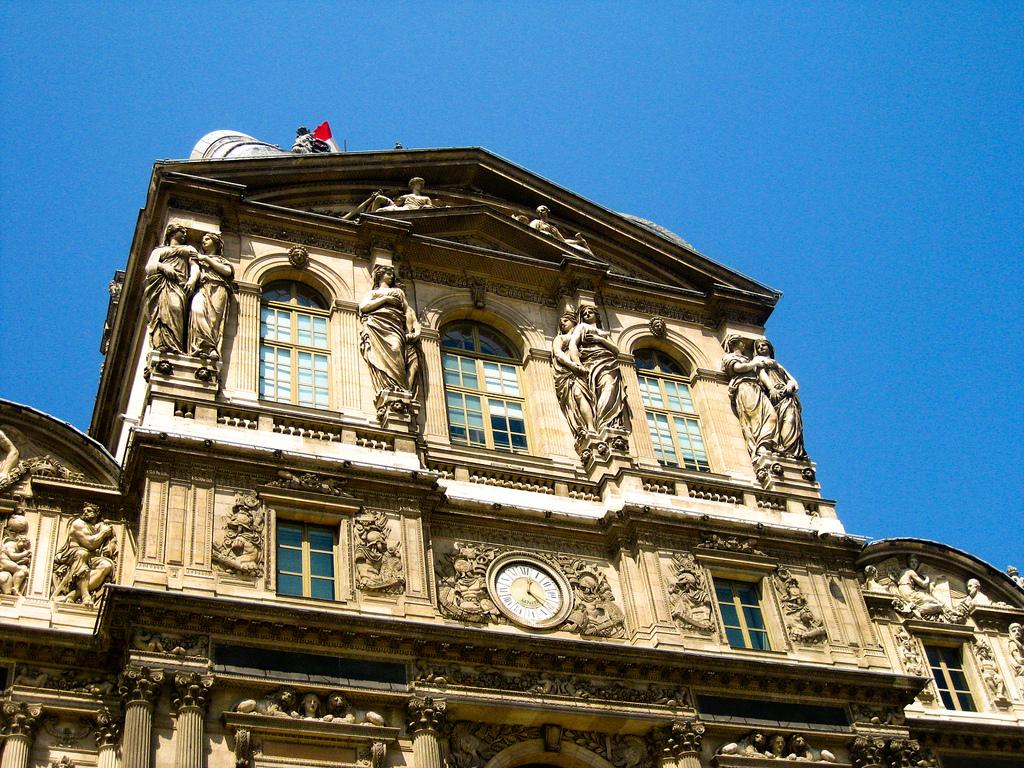 Фасад дворца, Лувр, Париж
