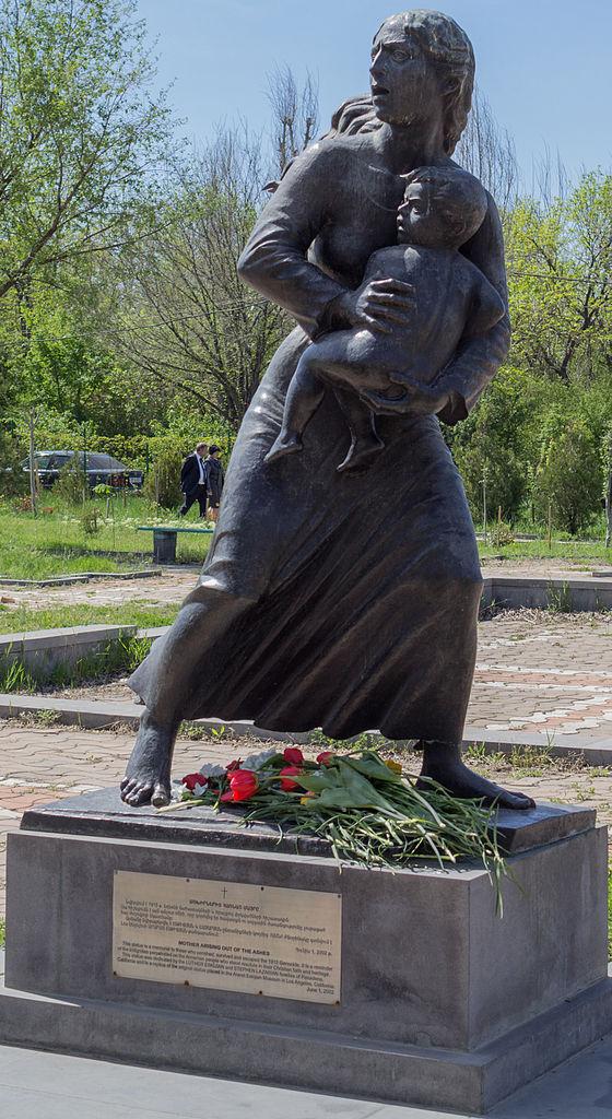 Цицернакаберд; Мать, возникшая из пепла