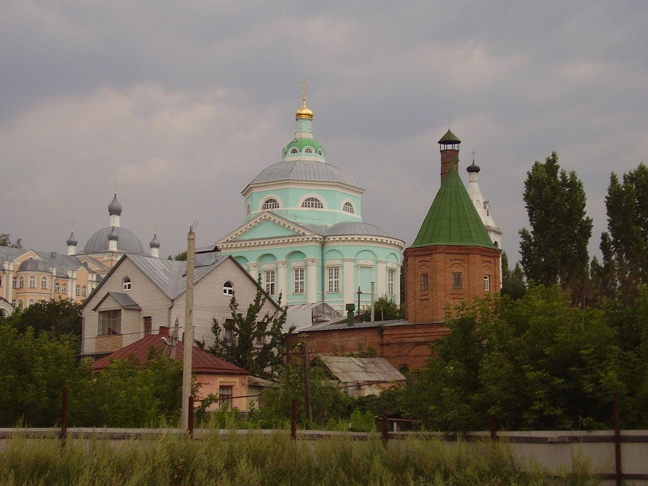 Алексеево-Акатов монастырь в Воронеже, вид со стороны реки
