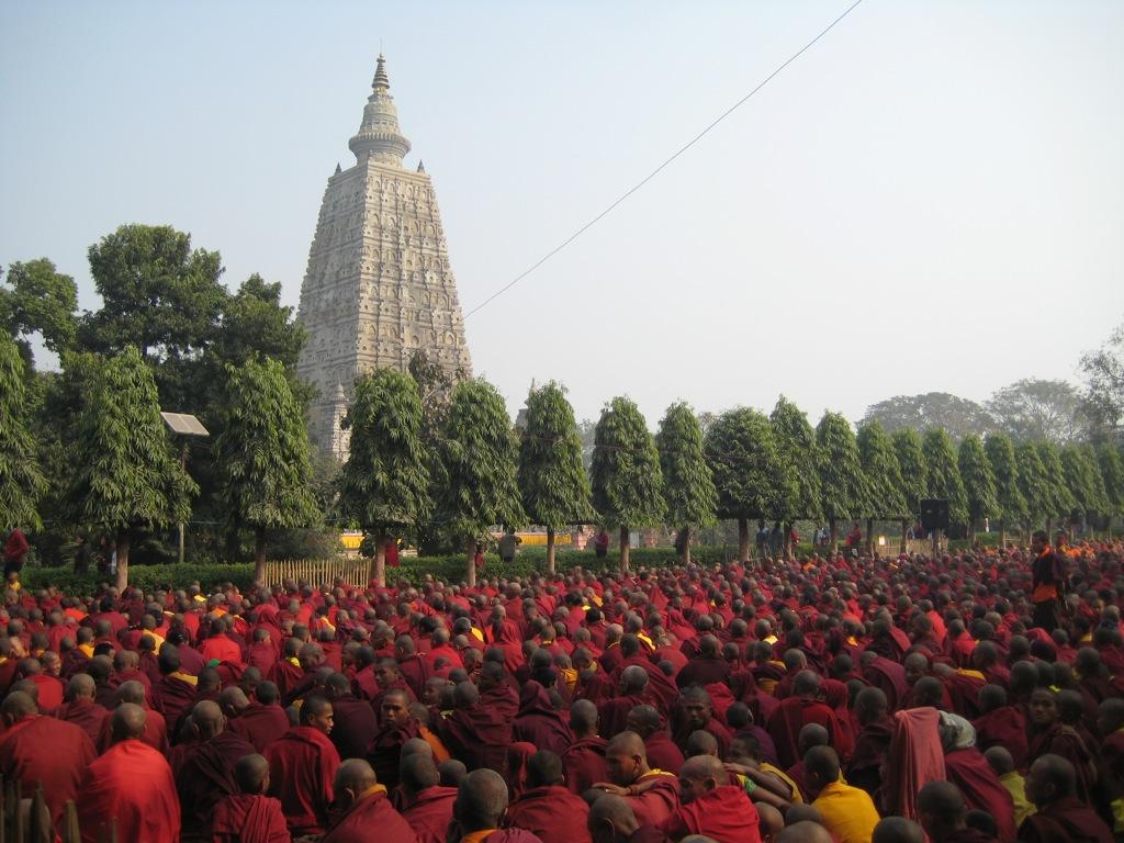 Храм Махабодхи и монахи