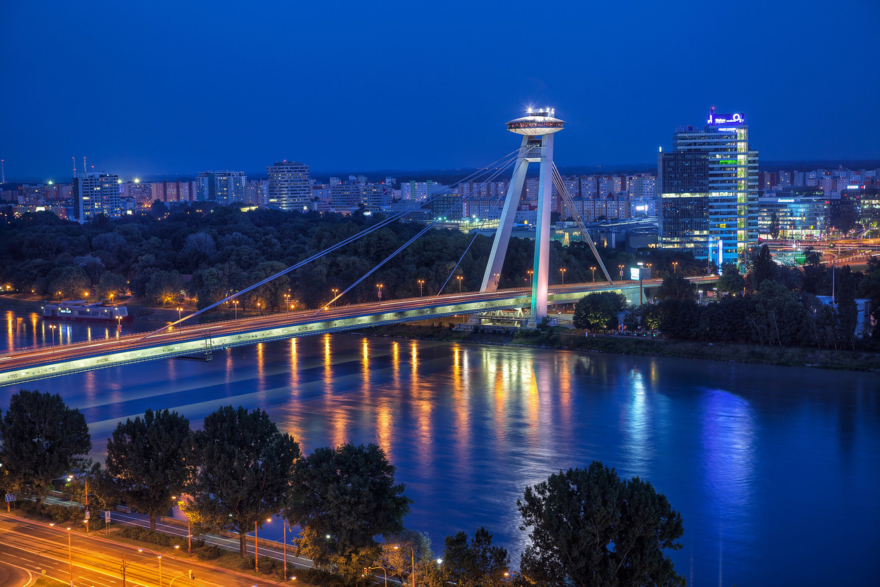 Мост СНП вечером