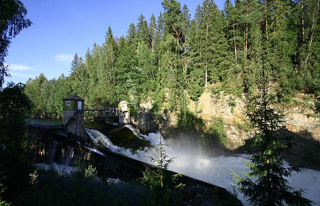 В Норвегии открыли очень необычный мост.jpg