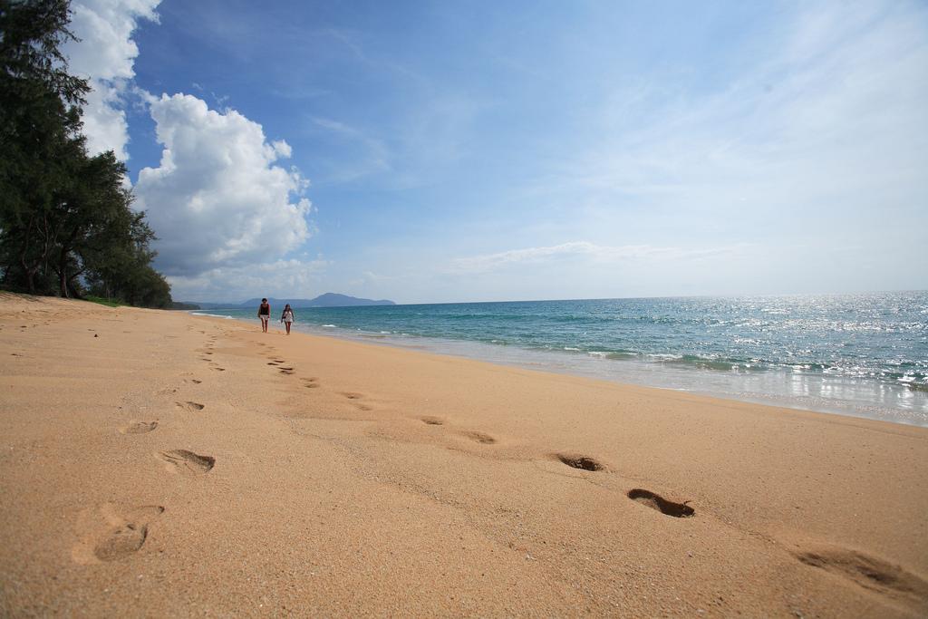 Золотой песок пляжа Май Кхао, Пхукет