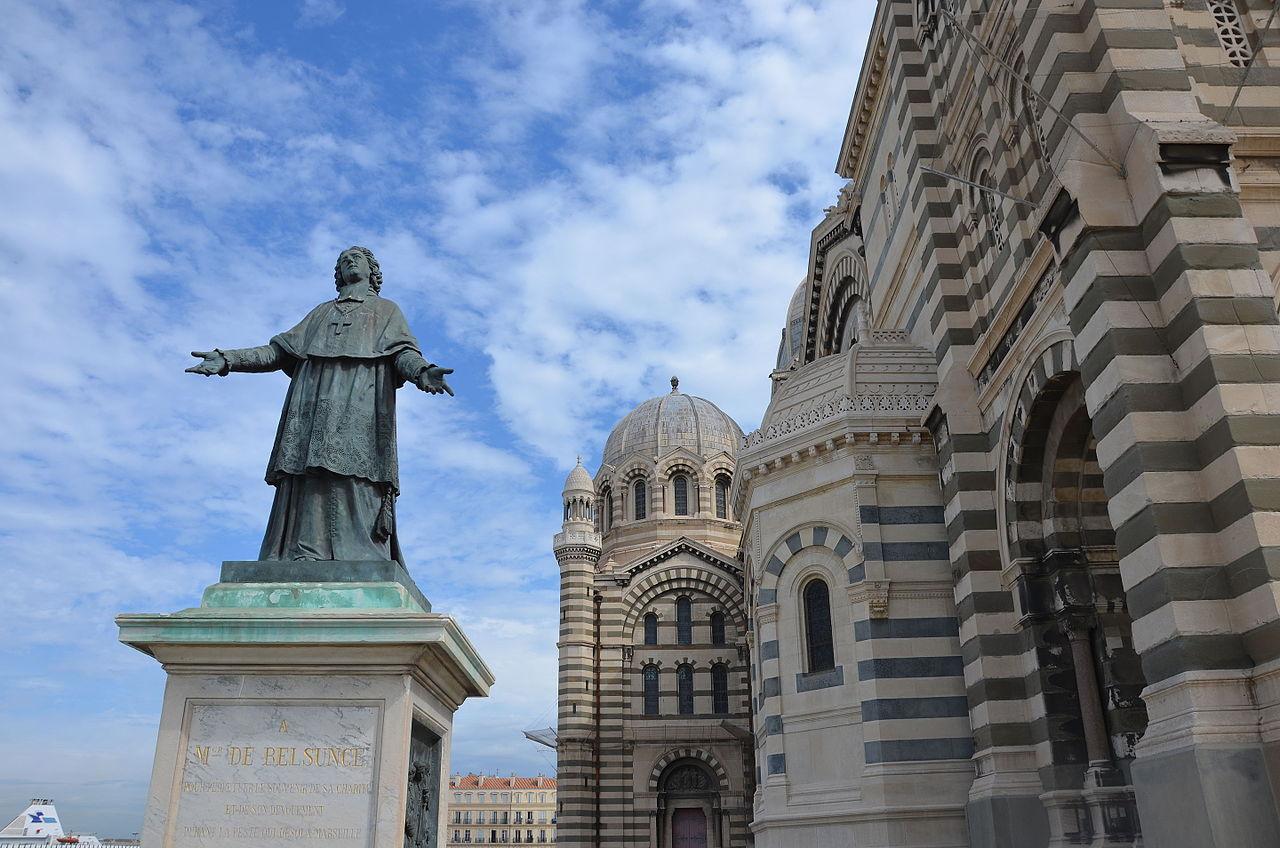 Кафедральный собор Марселя, статуя епископа Бельсанса