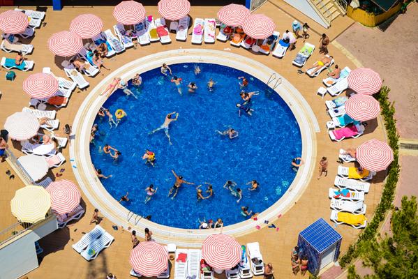 Круглый бассейн, Аквапарк в Аланье