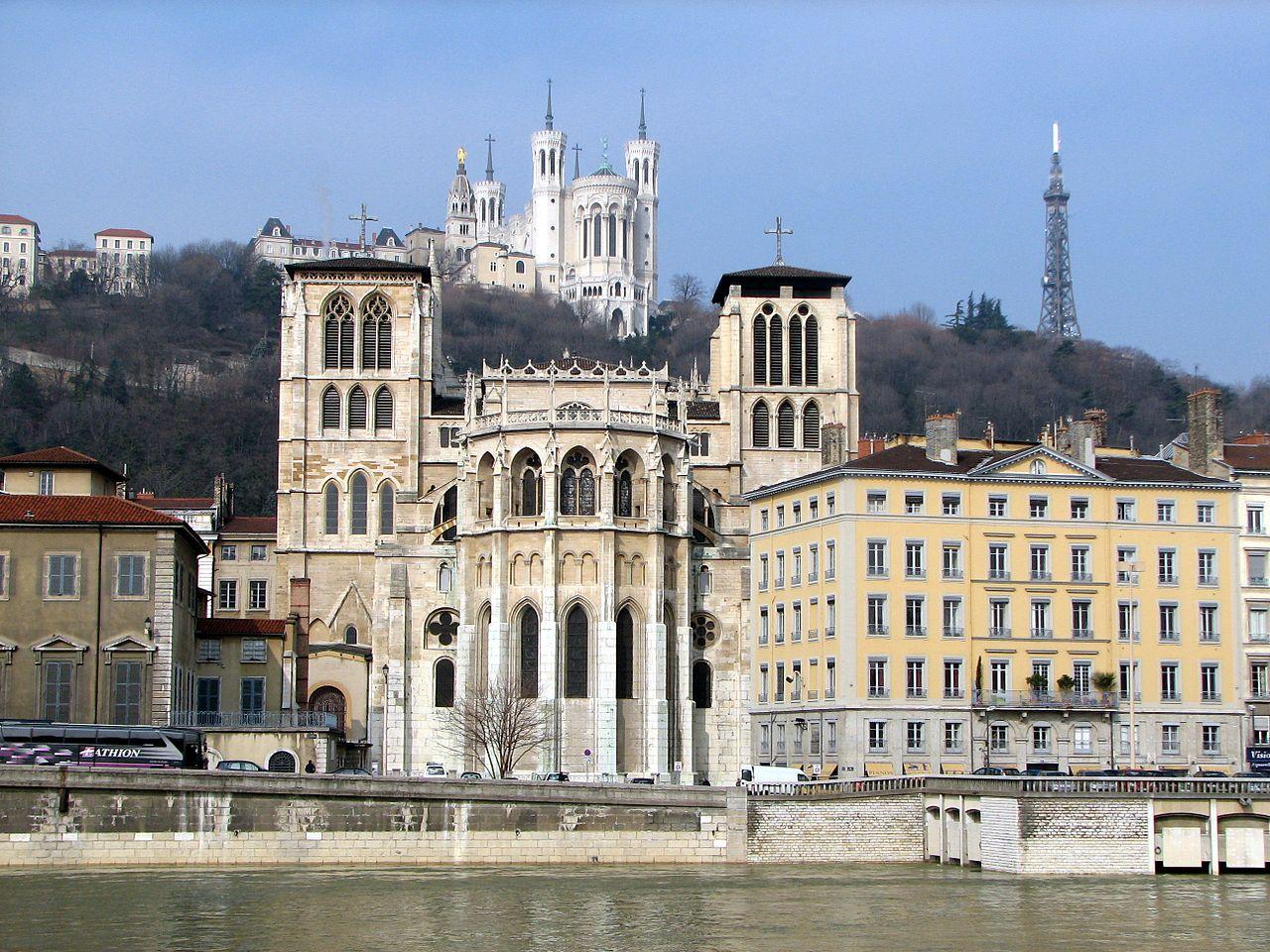 Лионский собор Сен-Жан, восточный фасад