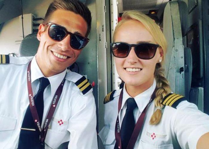 Файл:24-летняя девушка стала пилотом лоукостера.jpg