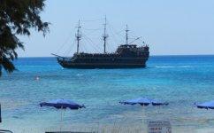 Экскурсионный корабль