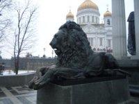 Львы у памятника царю-освободителю.