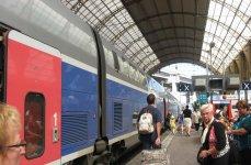 на железнодорожной станции в Ницце