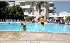 Один из больших бассейнов