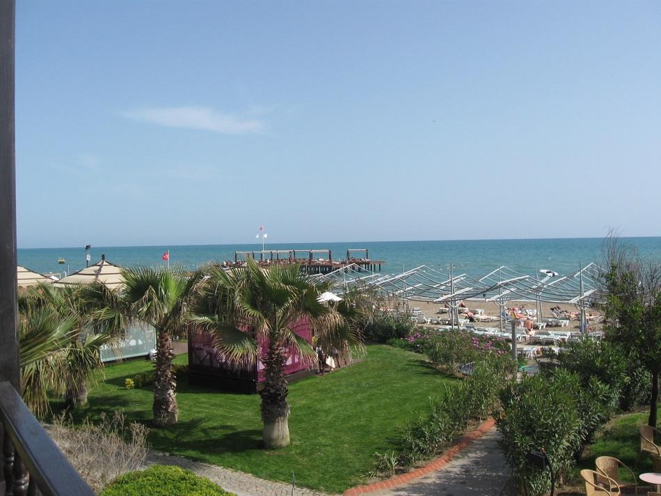 Пляж - вид с террасы